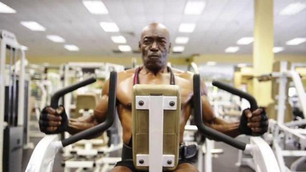 三角肌锻炼计划,打造完美肩部