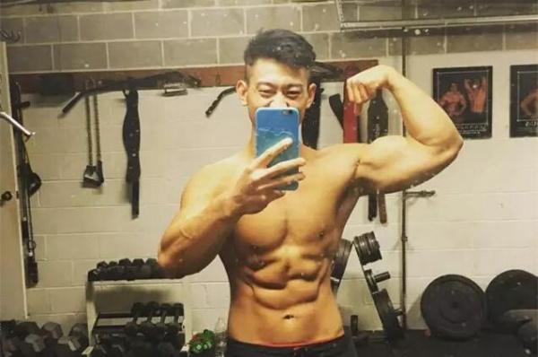 23岁小伙疯狂减脂四个月的体型变化