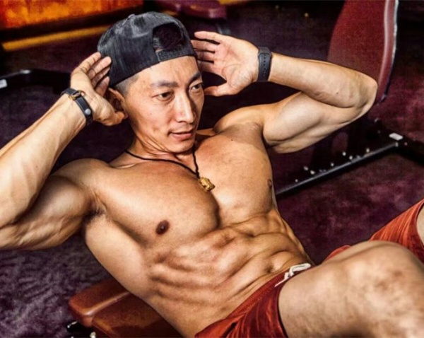 从痴迷《七龙珠》到发狠健身成就资深培训导师——李远新
