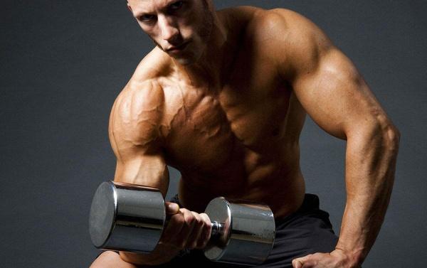 练爆你的肱二头,三个动作,给自己的手臂来一次暴击吧