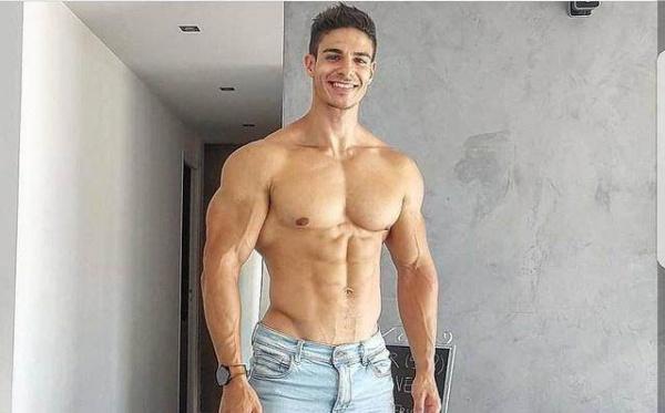 腹肌锻炼过程中需要注意什么?3点练习技巧,练出有型的腹肌