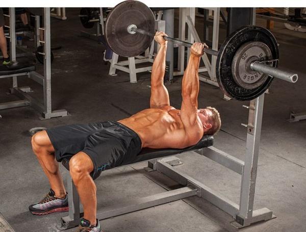 卧推重点:如何构建一个稳定的肩胛?