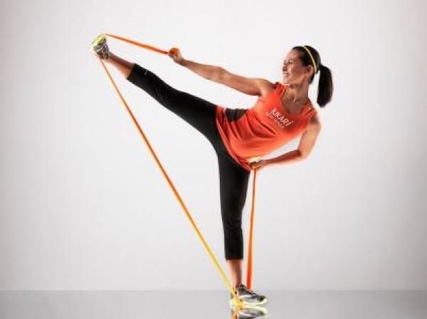 改善肩膀功能:弹力带对角线上拉