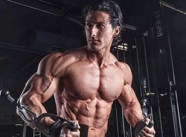 想要练出男人的事业线,试试这3个胸肌训练动作