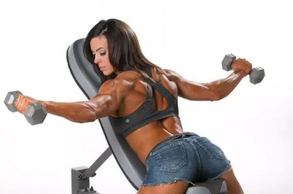 哑铃侧平举,最常见的健身动作你做对了吗?