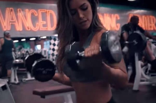 简单的女生瘦子健身增肥计划
