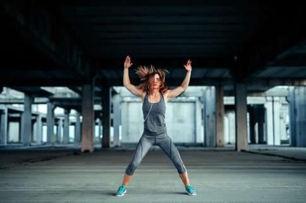 12个徒手健身动作 总有一种适合你