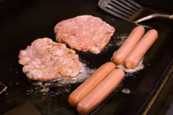 一根火腿肠的热量是多少大卡