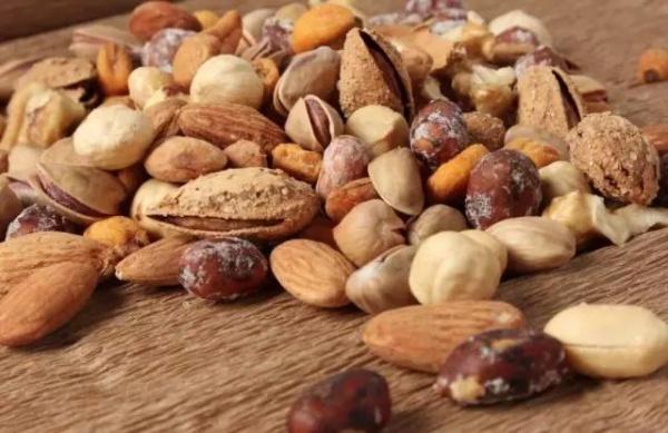 脂肪爆表的坚果这么吃既健康又减脂!