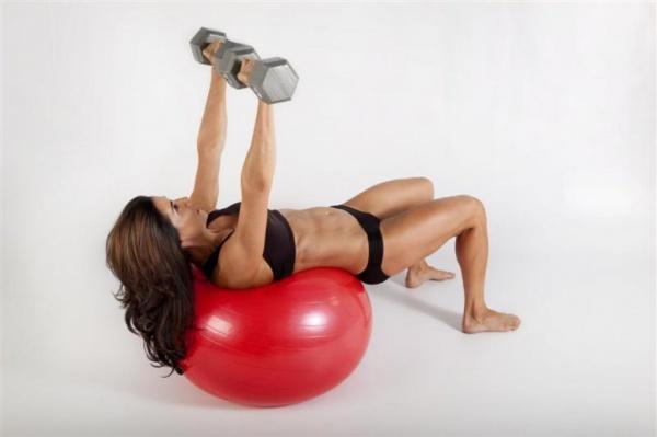 为什么健身女性更需要补充蛋白质?