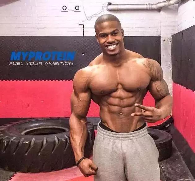 这是真的 26岁巨无霸胸肌健身男模,拥有罗马战神一样的身材