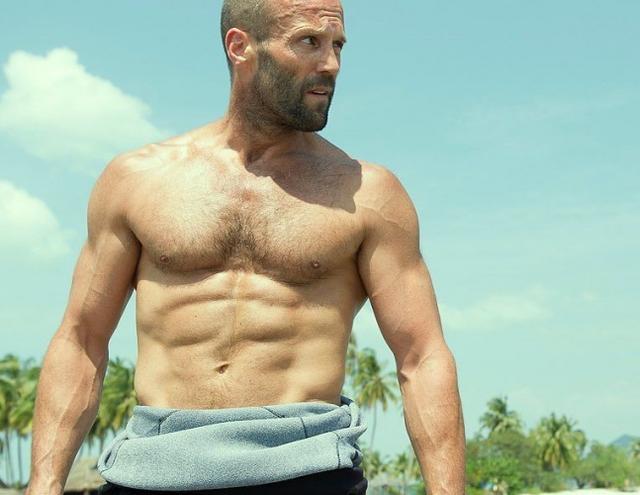 杰森·斯坦森半裸秀肌肉图片
